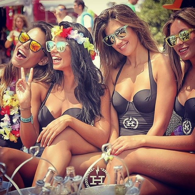 #hawkersgirls 😍😎