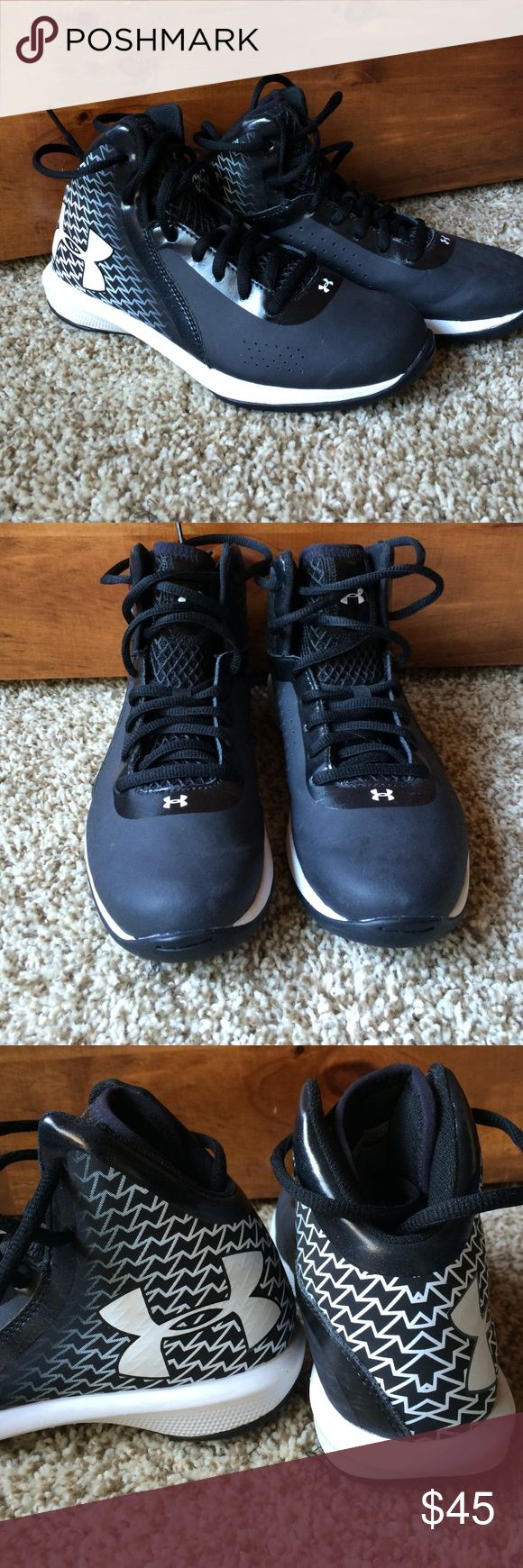 Under Armour Boys High Top Tennis Shoes In Great condition, worn a handful of times. Under Armour Shoes Sneakers