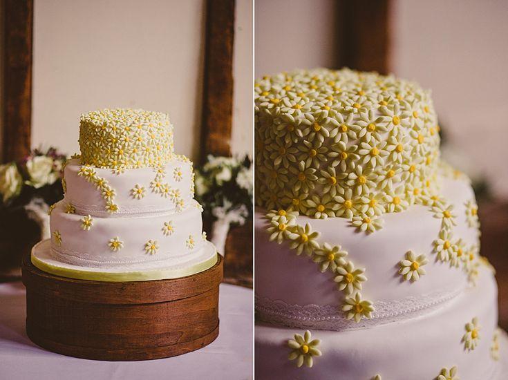 wedding cake #rusticweddinginspiration #barnweddings