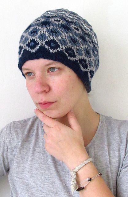 Ravelry: Fantasy hat in blue pattern by aprilegirl
