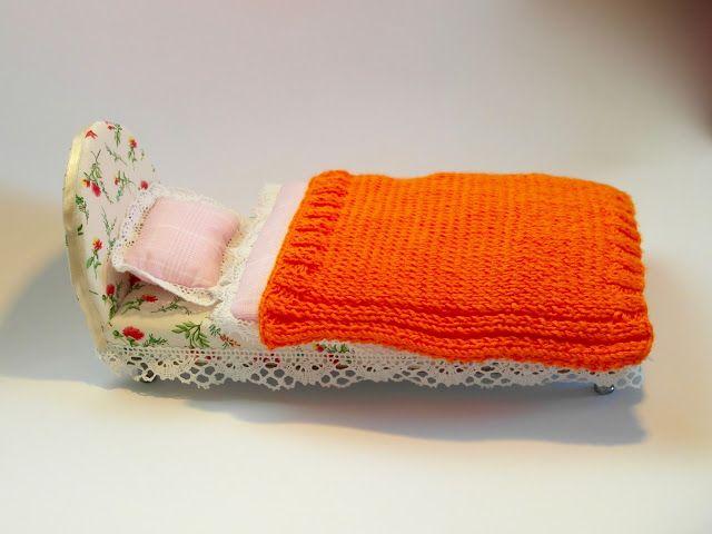 Kroofciowo - koralikowo: Łóżeczko dla lalki Barbie