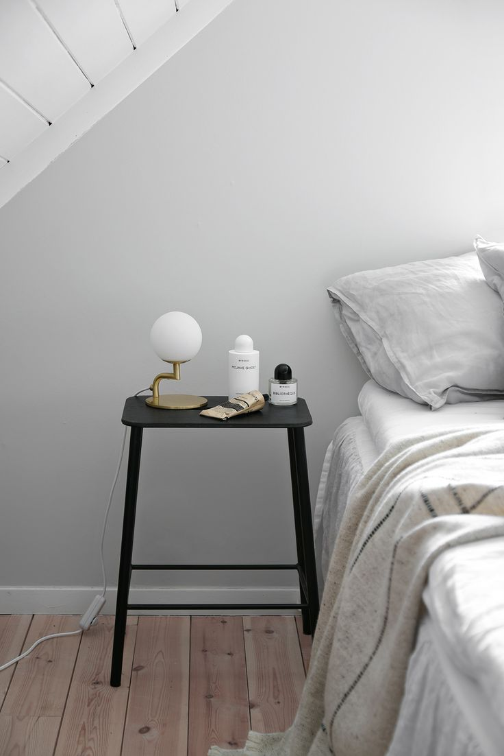 Norwegian country house bedroom and a tip for storage