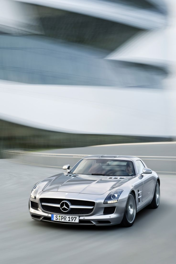 Top of mercedes benz dealers zurich switzerland fiat for Top mercedes benz dealerships