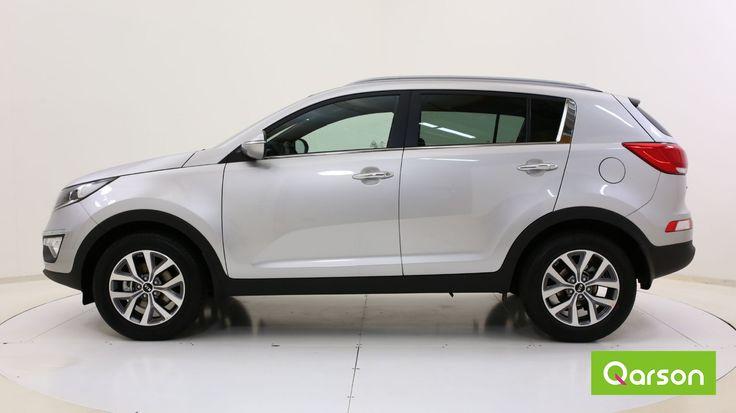 Le look dynamique du Kia Sportage nous rappelle celui du Hyundai ix35. Ses barres de toit profilées donnent du dynamisme à la voiture.