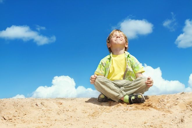 "On Raising Centered Beings: ""7 Tips To Raise Chill Kids Using What You Love About Yoga"""