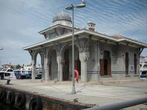 Bostanci ferry station