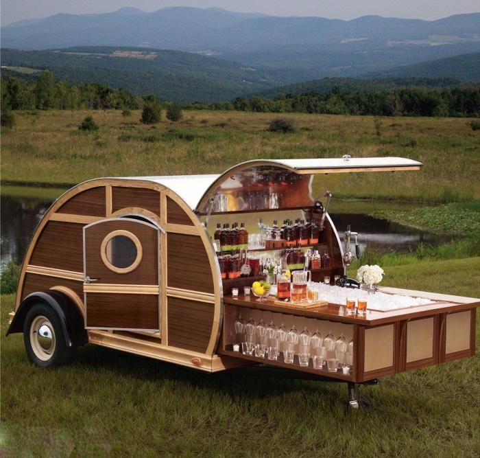 A Mobile Bar Inspired by Bourbon, Designed by Brad Ford. Amazing design. Add a couple of bar stools and you are in business! PopUp Republic