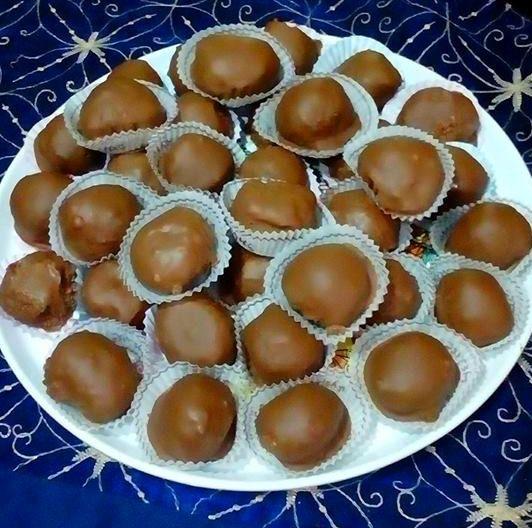 Με λίγα υλικά κι έλάχιστο κόπο Θεικά σοκολατάκια Ferrero !!!