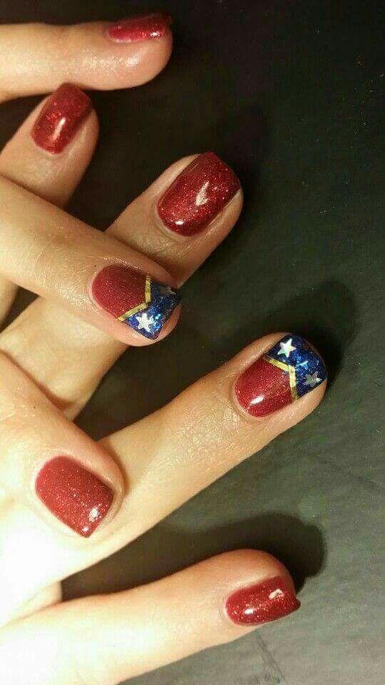 Mujer Maravilla uñas