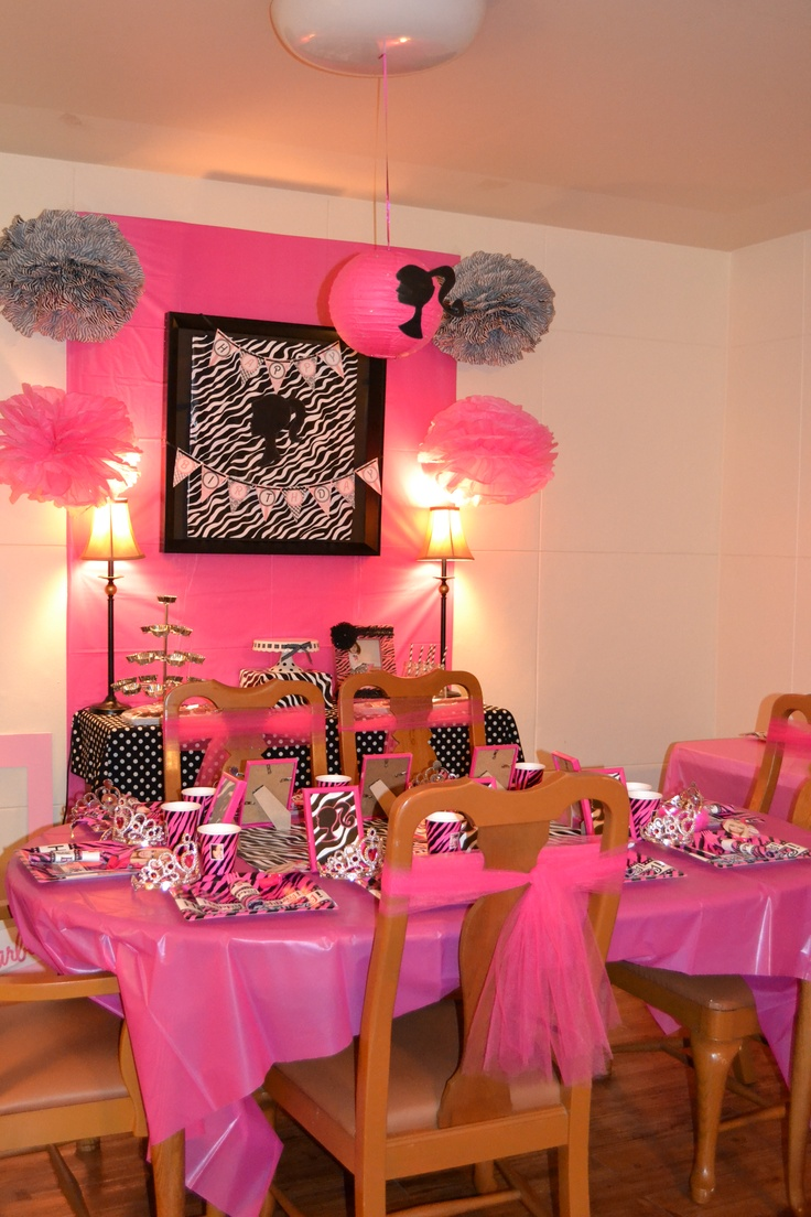 17 best images about brayleigh 39 s 3rd birthday party vintage barbie on pinterest birthday - Images of kiddies decorated room ...