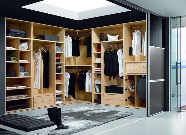 armario vestidor con puertas para aislarlo del dormitorio principal www.moblestatat.com horta barcelona