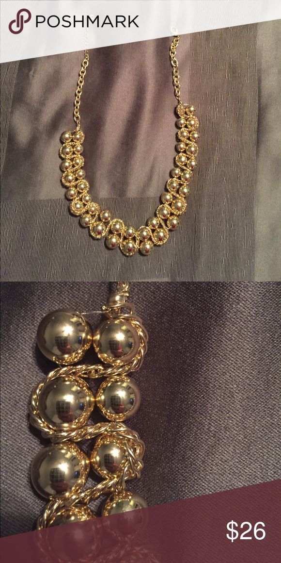 NWOT chunky gold necklace NWOT chunky gold necklace. Adjustable The Limited Jewelry Necklaces
