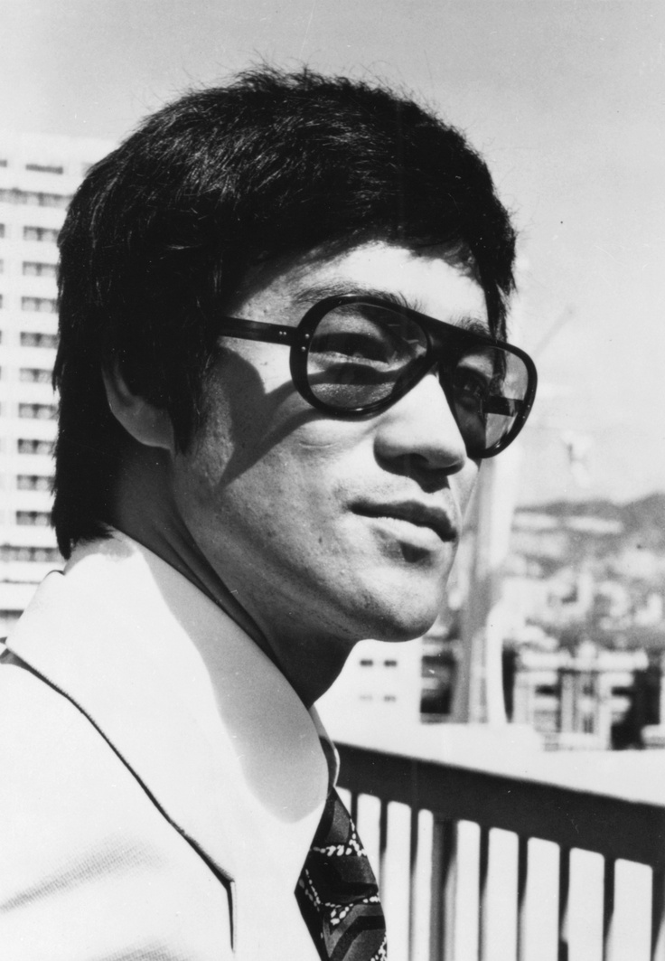 bruce lee hair style 645 best style glasses images on 7769 | 2b7fcb2c6b890e441fad17c865c45594 bruce lee photos vintage frames