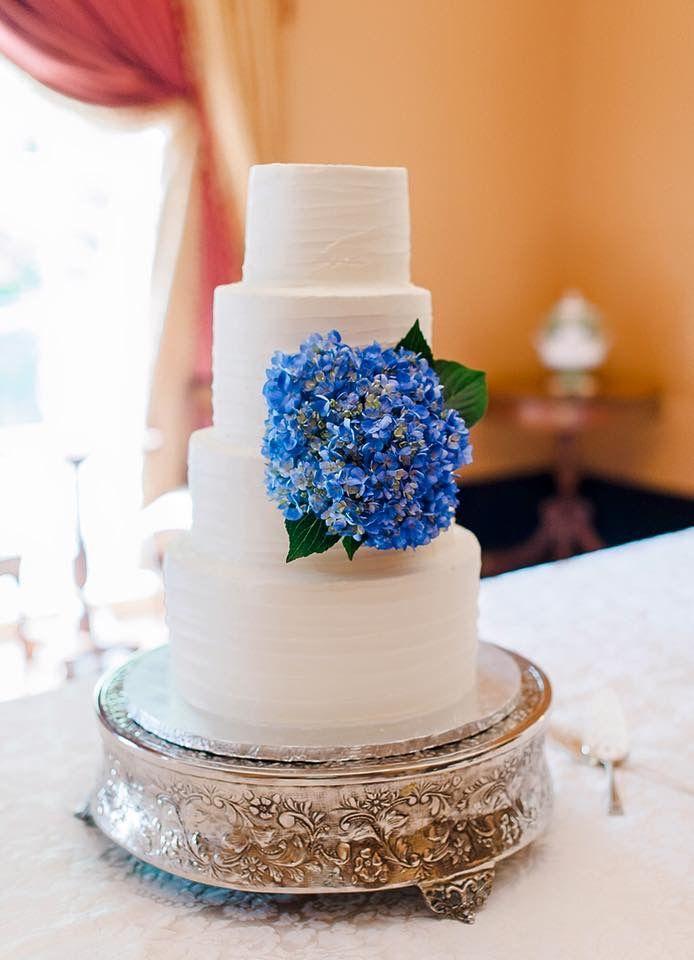 Horizontal pattern rustic buttercream wedding cake blue hydrangea