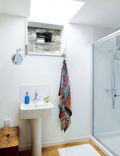 Leachachan Barn bathroom