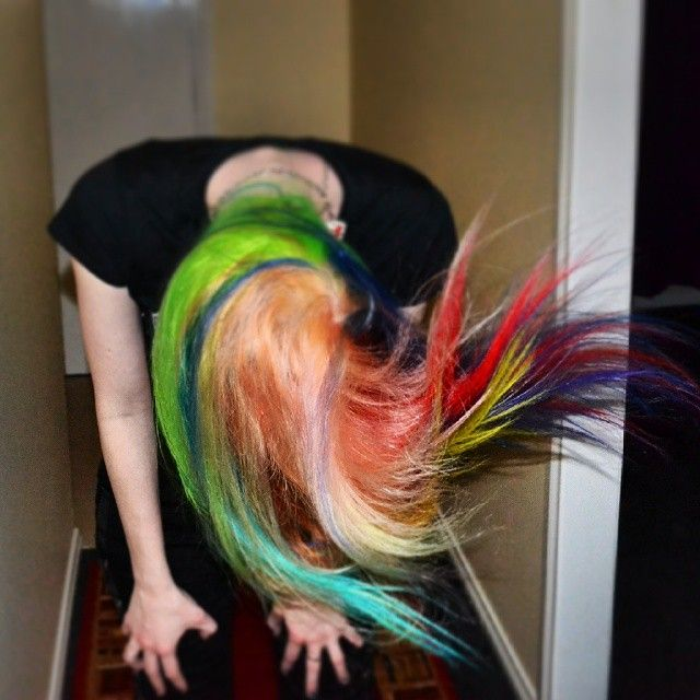 whip my hair back and forth #colouredhair #colouredhairgirls  #hairflip #whipmyhairbackandforth #manicpanic  colours from @tragicb