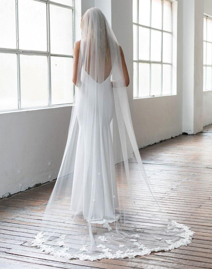 Elle + Adhira X Daphne Newman: Penelope 3D Flower Veil