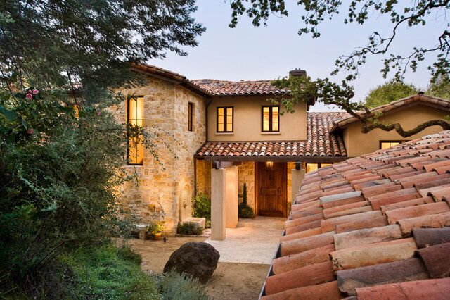 Clay Roof Tiles Installation Cost Pros Cons Clay Vs Concrete Exterior House Colors Spanish Style Homes Mediterranean Architecture