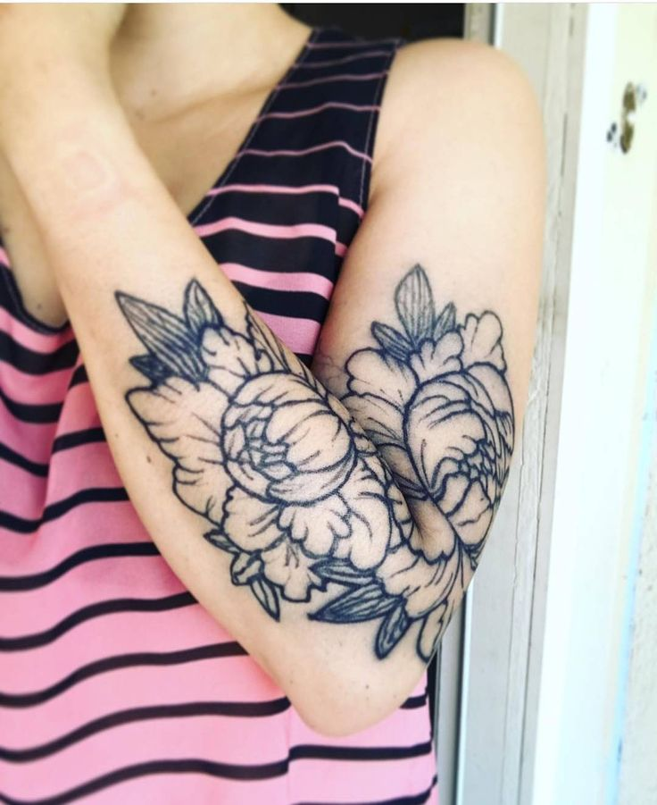 This beautiful floral tattoo was made with inkbox freehand for Tattoos that last 2 weeks