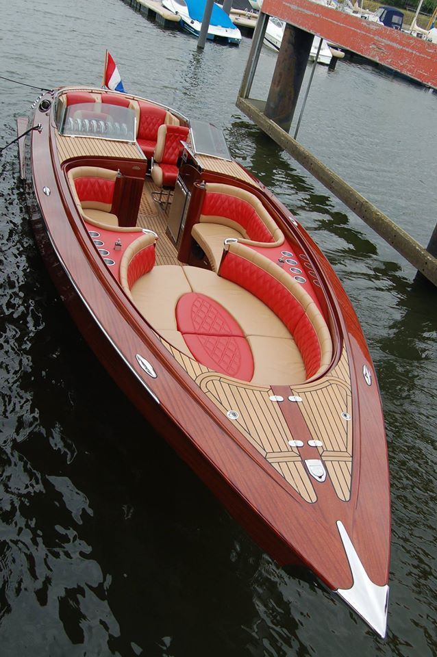 The Dutch Walth 1075, sets a new level of high performance boating combined with a distinquished appearance...LLa|Lisa