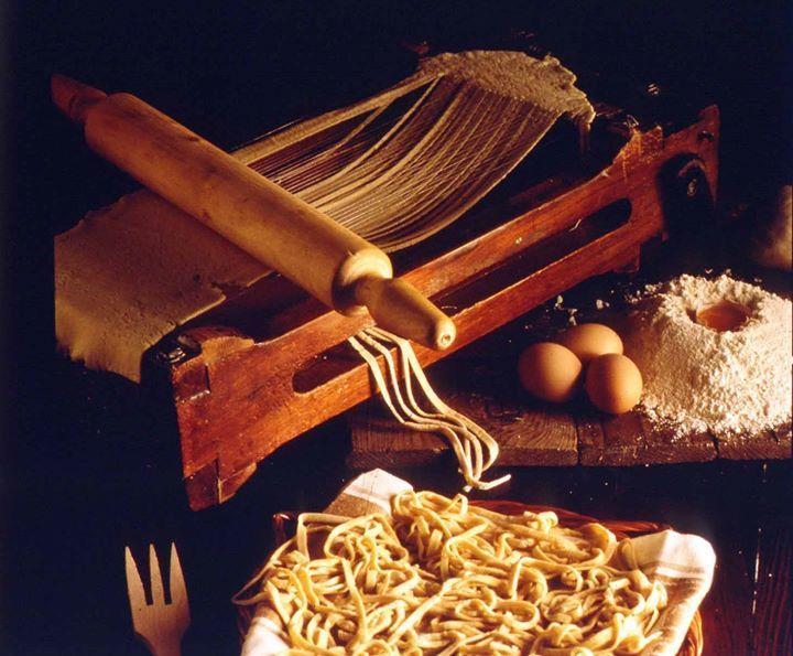 #Chitarra per la preparazione degli #spaghetti ph.  Archivio Storico #Barilla