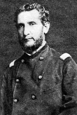 Bartolomé Vivar (1832-1880), Teniente Coronel, Segundo Comandante del Regimiento 2° de Línea. Participó en el Combate de Tarapacá, recibió una herida en el brazo y siguió combatiendo, una segunda bala le atravesó el bajo vientre. Quedó al cuidado de la ambulancia peruana, falleció al segundo día.