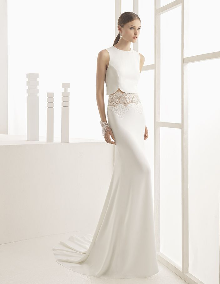 Nicea - Crepe and beaded lace bodice with round neck and skirt with transparency on hip, in natural.