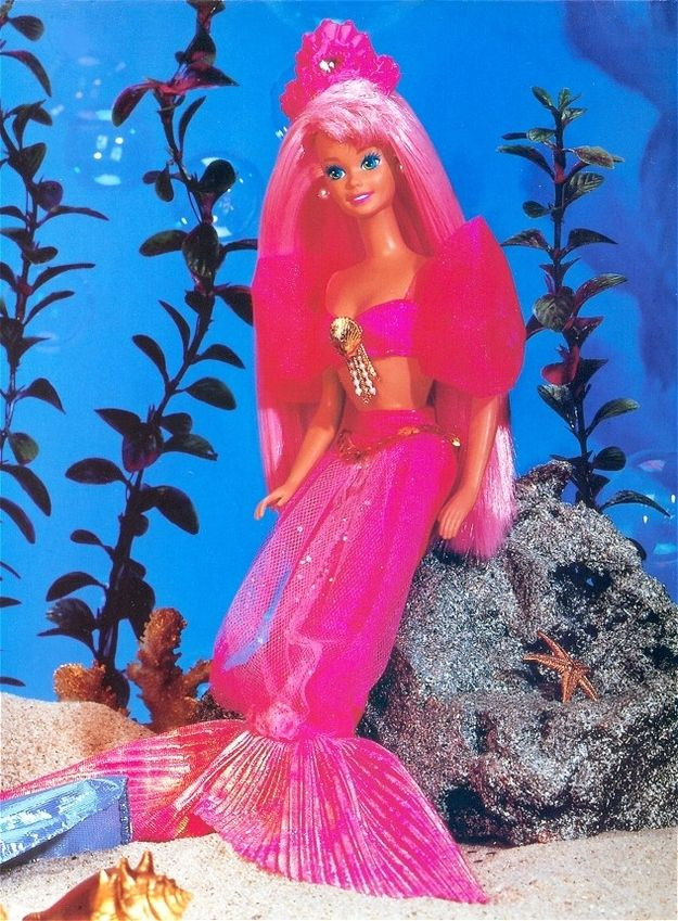 Fountain Mermaid Barbie   13 Awesome Childhood Toys That Made Bath Time Great