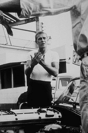 Steve McQueen talking to his XKSS Jaguar mechanic