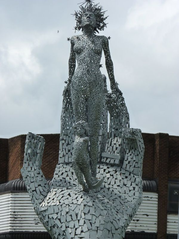 'Lifeline' by Andy Scott is situated at Shillinghill roundabout in Alloa