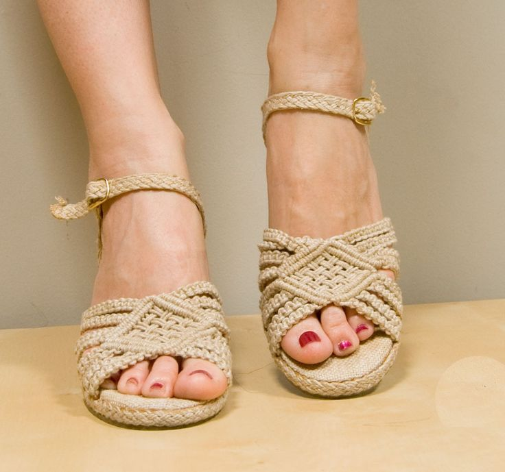 Great pattern for macrame sandals.