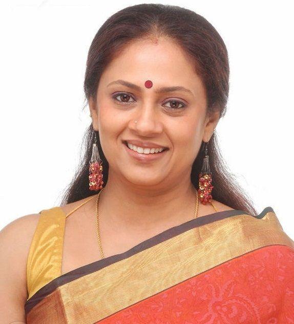 Lakshmy Ramakrishnan Hot Mature South Indian Actress -8782