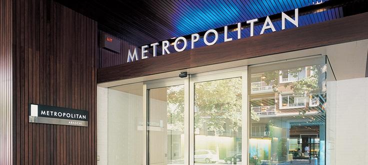 Metropolitan Abascal: Primer premio de Arquitectura y Diseño al mejor espacio comercial otorgado por el Ayuntamiento de Madrid.
