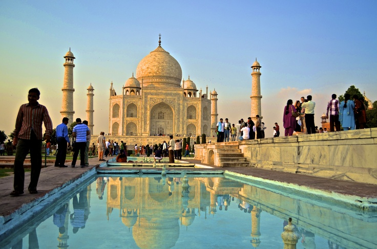 Taj Mahal / Water / Reflection
