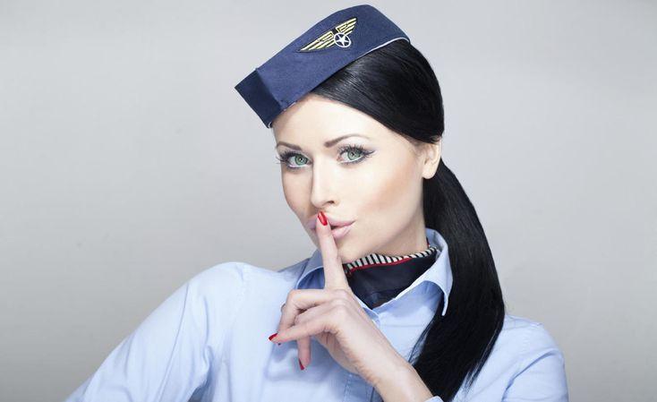 Los diez secretos que las azafatas no nos cuentan cuando viajamos en avión Probablemente no puedes saber si un avión está en buenas condiciones para volar. No te preocupes por los accidentes, hay otras cosas dentro de esa mole que te van a sentar bastante peor Noticias de AFoto: Parece maja pero no te lo va a contar, al menos no mientras vayas a bordo. Esta es tu oportunidad de saberlo todo. (iStock)