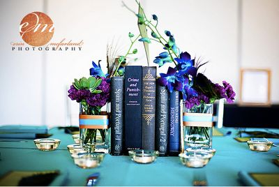 Elegant table setting - what a great use for all those vintage book in my bookshelf!