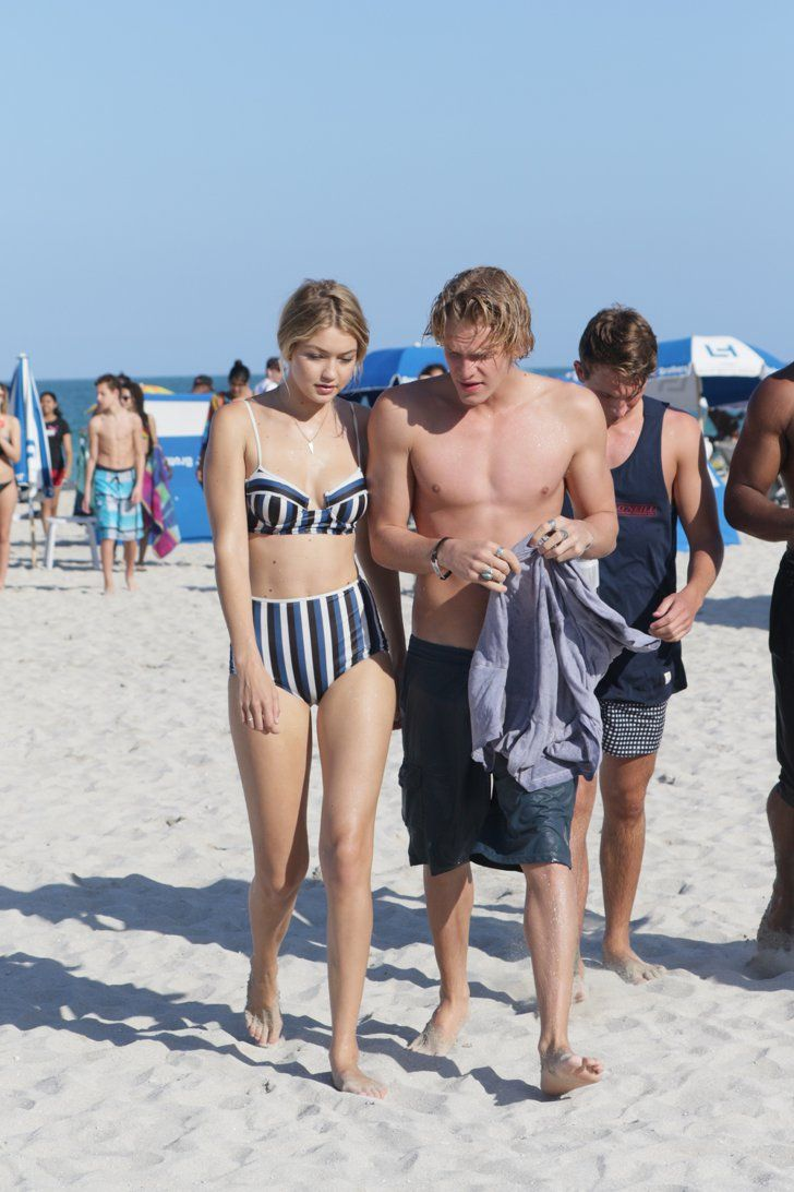 Pin for Later: Gigi Hadid and Cody Simpson Share Steamy PDA in Miami