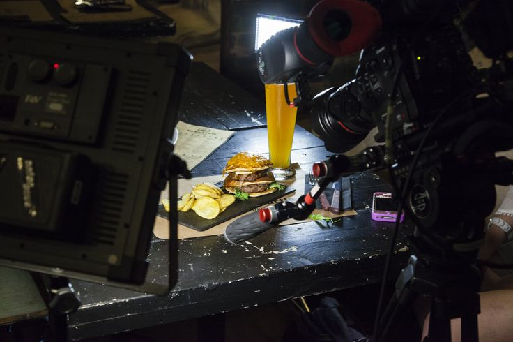 The Tower Burger, fotografiada por el equipo de Travel Channel USA. Una pinta fantástica la verdad...www.theblackturtle.es