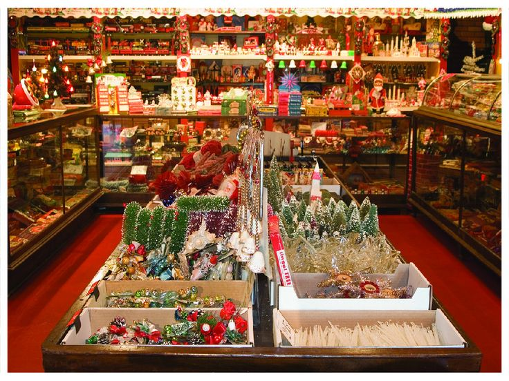 101 best Vintage department store Christmas images on Pinterest - how to store christmas decorations