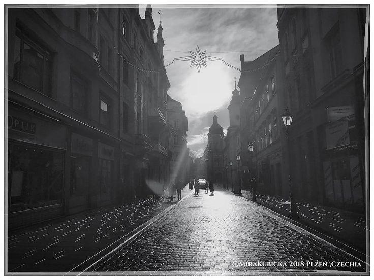 #plzen #pilsen #cesko #czechia #ulice #street #sun #today #city #mycity #heritage #2018 #zima #winter