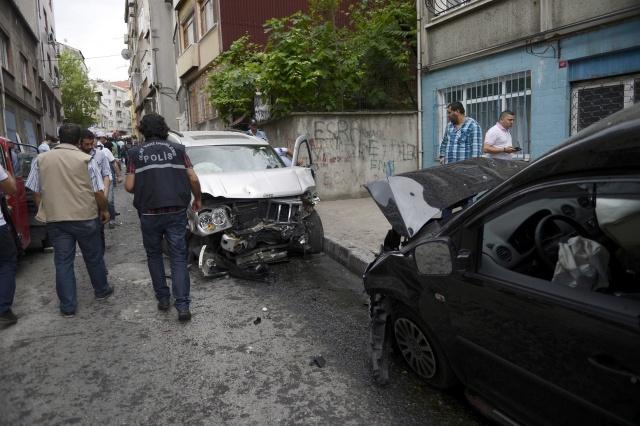 İstanbul Fatih'te meydana gelen kazada 1 kişi öldü, 3 kişi yaralandı.