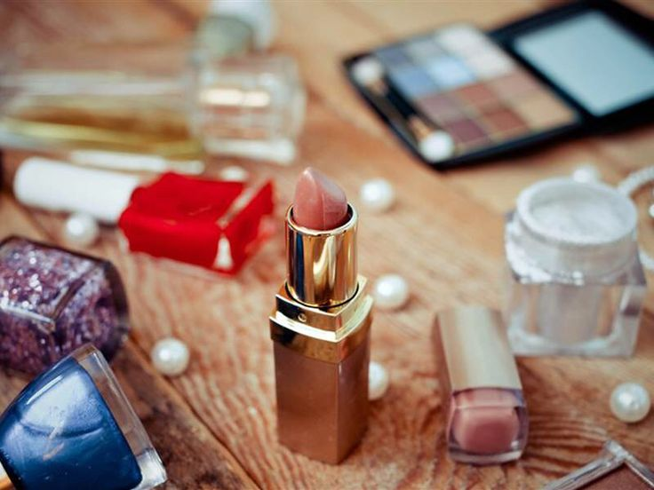 Dress code gone too far? Teachers forcibly remove teens' makeup in front of class