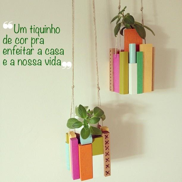 http://www.copyepaste.com/2013/02/pendurando-plantas.html