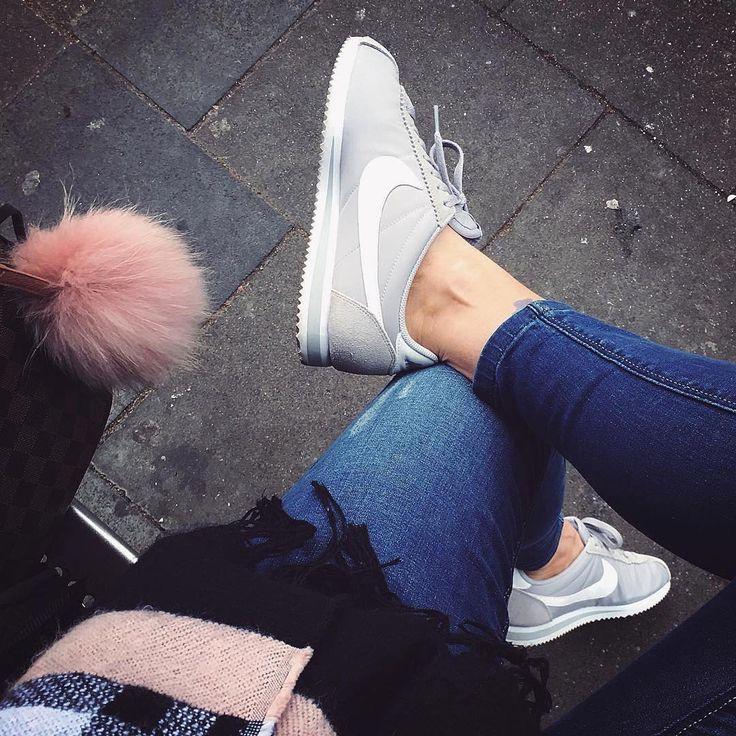Sneakers women - Nike Cortez light grey (©mademoiselle.rogue)