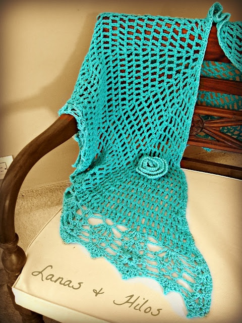 Lanas Hilos: crochet shawl