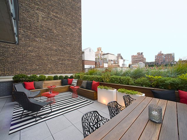 How to Create a Gorgeous Outdoor Space http://www.ivillage.com/beautiful-outdoor-rooms/7-a-542191