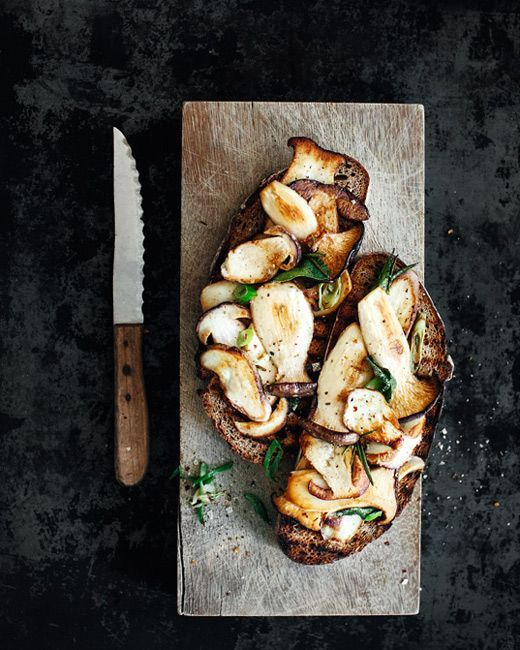Brot mit gebratenen Pilzen | Pinterest | Mushrooms, Food and Food photography