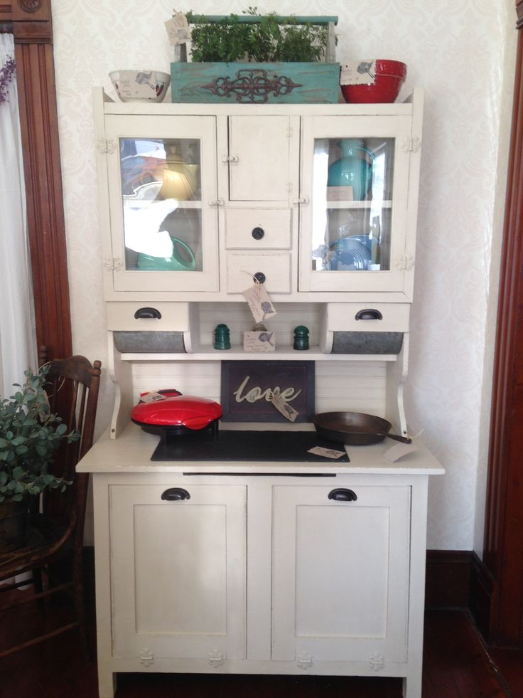 How do you date a Hoosier cabinet