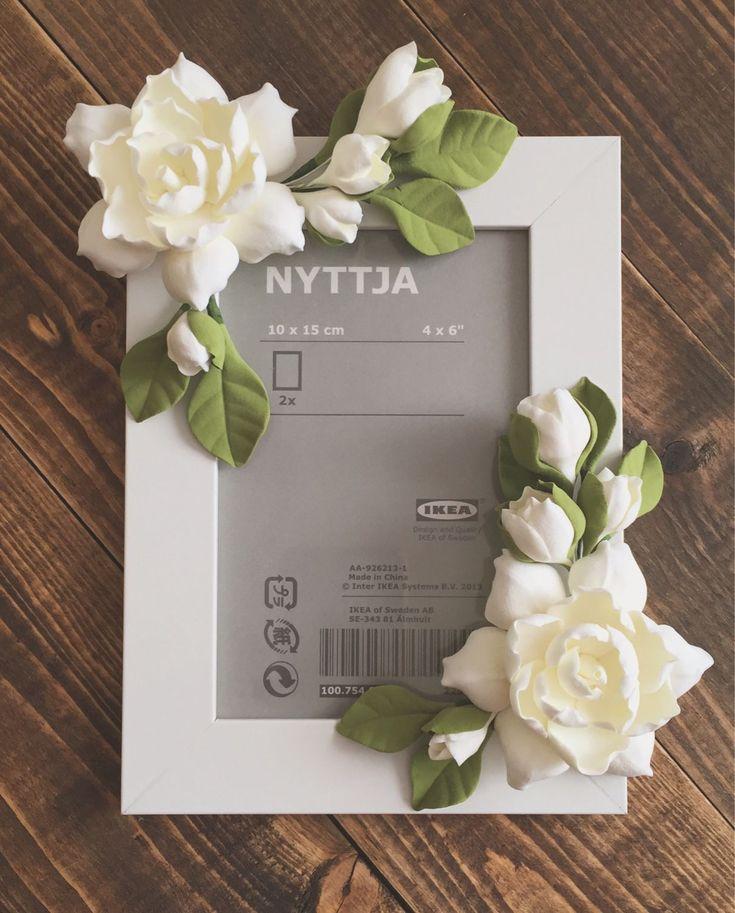 Купить или заказать 'Сливочные гардении' в интернет-магазине на Ярмарке Мастеров. Фоторамочка с цветочками гардении из полимерной глины.