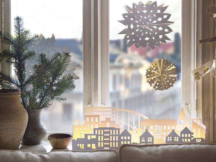 Jul jul, strålande jul, nu är det jul igen! Vi låter kreativiteten flöda och pyntar våra hem med kulor, stjärnor, kransar och slår in vackra paket vi snart ska få ge till någon speciell.